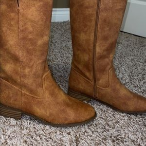 Lucky brand boots size 5.5